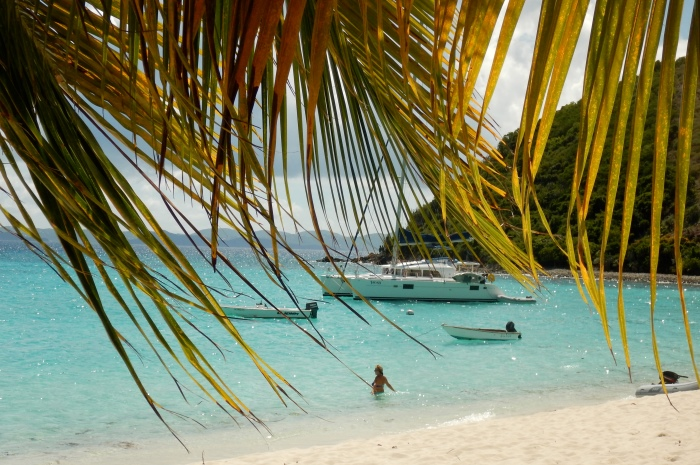 3.1_BVI_Slide_9_White_Bay_700x465