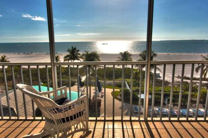 3.2B_Ft.MyersBeach_Slide_10_sanibelview_700x465