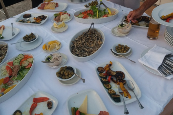 Croatia2016-First-night-buffet_700x465
