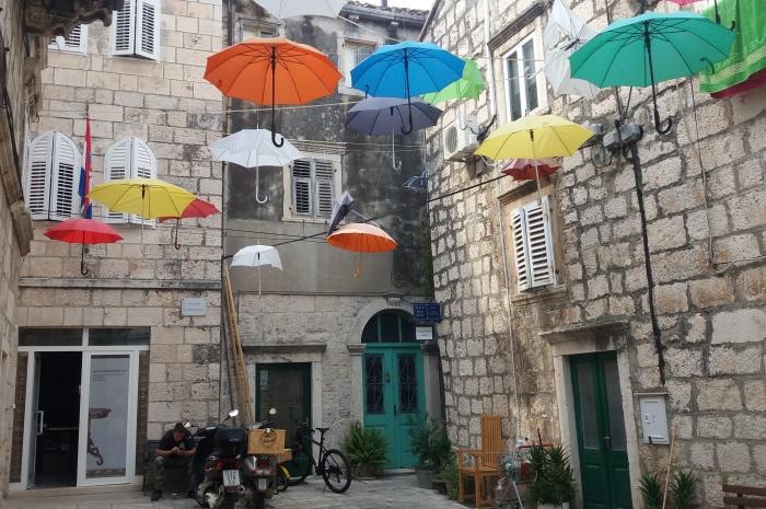 Croatia2016-Korcula-calle-art_700x465