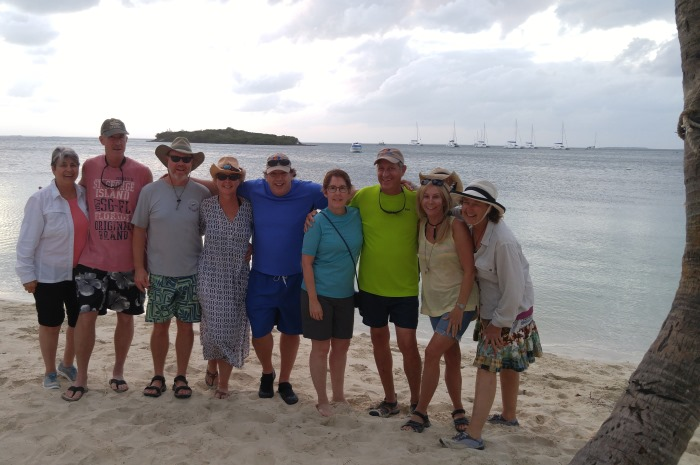 Blog10-Colgate-Offshore-Segeln-Abenteuer-Bahamas-group_700x465