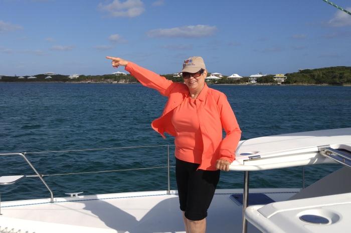 Blog7-Colgate-Offshore-Segeln-Abenteuer-Bahamas-Teilnehmer-pointing_700x465
