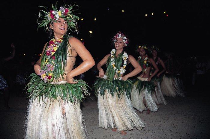 Tahiti Bareboat Sailing Cruise | Tahiti Vacation Package