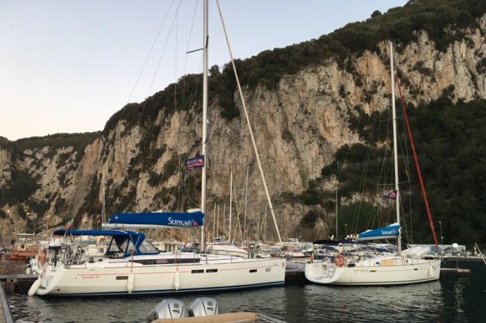 2017-Italy-Capri-fleet_700x465
