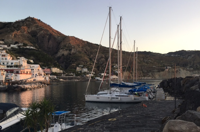 2017-Italy-Port-Saint-Angelo-evening_700x465