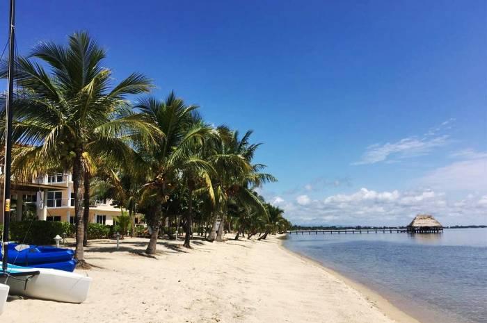 Laru-Beya-Resort-HobieCats-beach_700x465