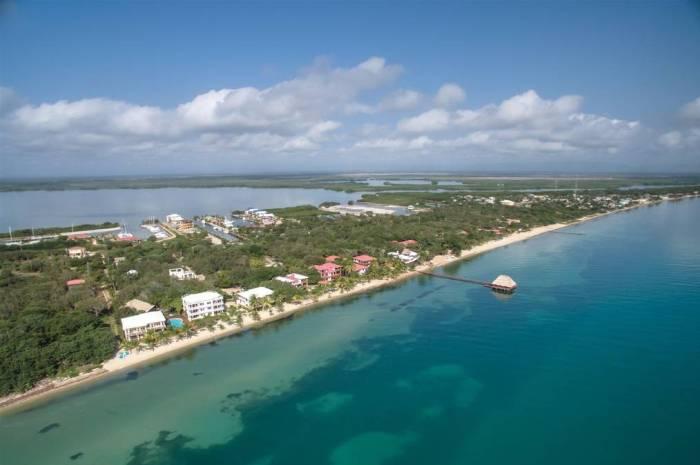 Laru-Beya-Resort-ocean-marina_700x465