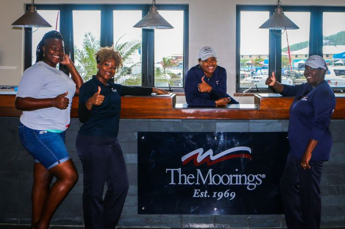 Moorings-front-desk-staff-December2017_700x465