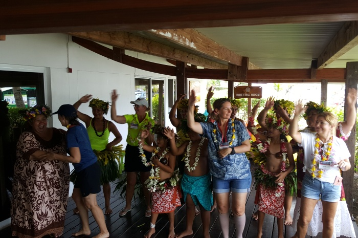 2018Tahiti_WELCOME-DANCE_700x465